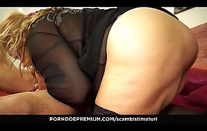 SCAMBISTI MATURI - Blonde Italian BBW is the perfect newbie at hand be fucked by younger stallion