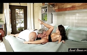 Spruce stepdaughter pussyfucked by stepdad